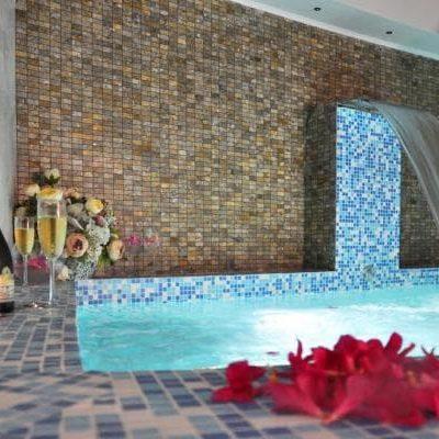 спа бассейн в отеле