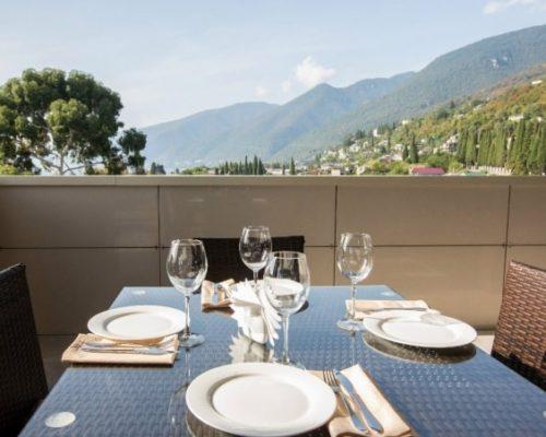 Ресторан с панарамным видом гранд отеля Гагра