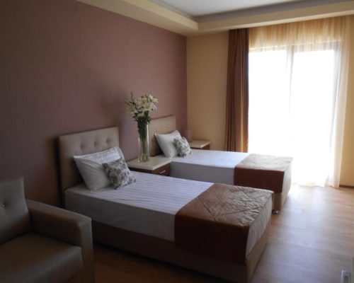 Фото номера с двумя раздельными кроватями