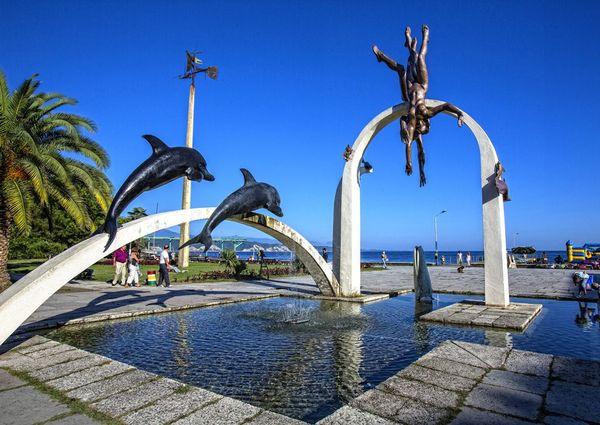 ныряльщики скульптура в Пицунде