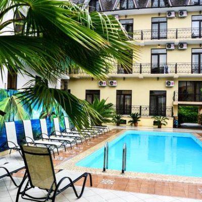 отель в Гаграх Амран